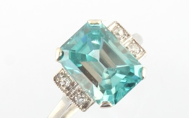 A 9ct yellow gold large aquamarine ring, the octagonal cut a...