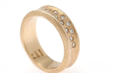 A diamond ring set with numerous brilliant-cut diamonds weighing a total of app. 0.20 ct., mounted in 14k gold with satin finish. Size app. 55.