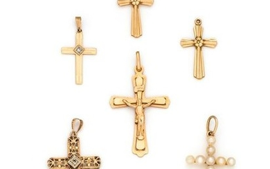 COLLECTION OF YELLOW GOLD CROSS PENDANTS