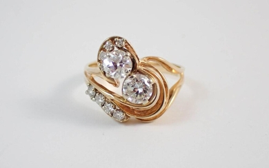 DIAMOND AND FOURTEEN KARAT GOLD FASHION RING, acce
