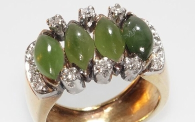 Handarbeit - 18 kt. White gold, Yellow gold - Ring, small size 52 / 16.6 mm 4 nephrite jade cabochons 3.20 ct. - 16 diamonds 0.22 ct. H / VS