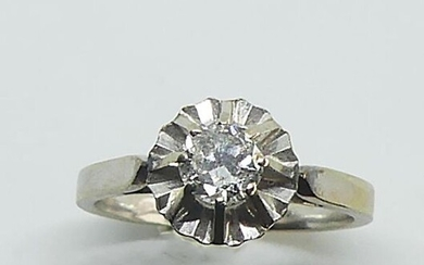 RING in white gold set in solitaire with a brilliant-cut diamond. Gross weight 3.8 g. Diamond size 0,50 ct approx.