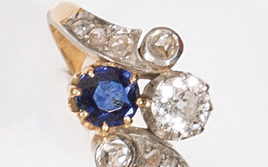 """Yellow gold """"Toi et Moi"""" ring, set with an antique..."""