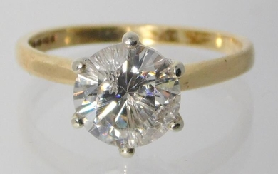 A 1.90cts Solitaire Round Brilliant Cut Diamond Ring.9ct Yellow...