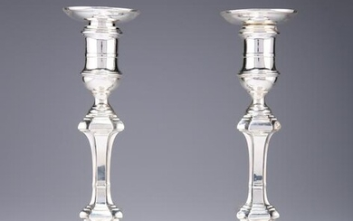 A PAIR OF EDWARDIAN SILVER CANDLESTICKS, by Hawksworth