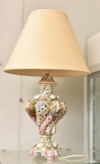 Lot Art | Traditional Style Table Lamp