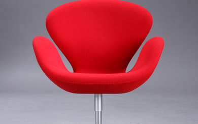 Arne Jacobsen. 'The Swan', lounge chair, Model 3320, 'Brown Label', 2013, red 'Hallingdal' wool