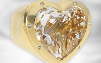 Ring: attractive heavy designer ring with large rock crystal and diamonds, 18K yellow gold