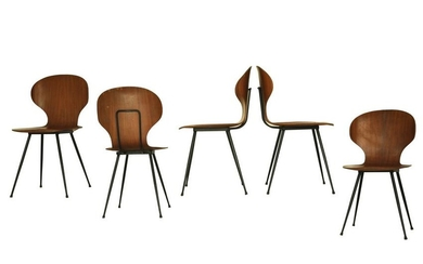 Set consisting of a round table and 5 chairs by Carlo