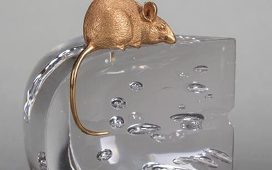 "Steuben Glass and 18 kt. Gold ""Mouse and Cheese"""