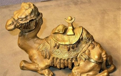 Vintage 9†Painted & Finely Detailed Cast Metal Camel