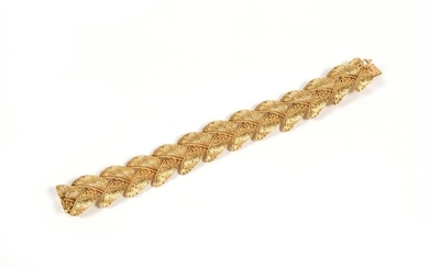 18K yellow gold bracelet with spike chain.
