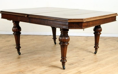 19TH CENTURY ENGLISH OAK CRANK DINING TABLE