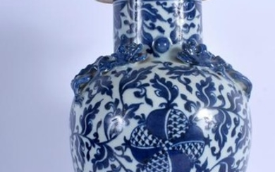 A 19TH CENTURY CHINESE BLUE AND WHITE VASE AND COVER