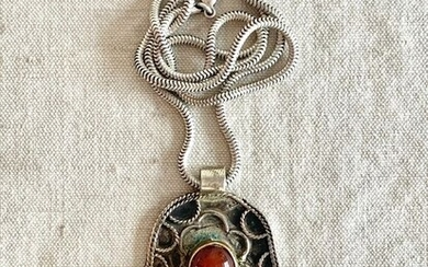 A magnificent pendant +necklaceAmulet for protection against evil eye - HAMSA- Semi precious - 800-925/1000 - Jewish artist - Turkmenistan - Early 20th century