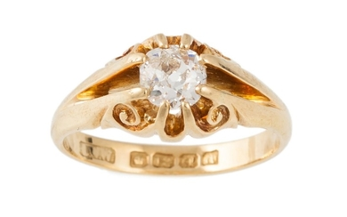 AN ANTIQUE DIAMOND SOLITAIRE RING, the old cut diamond to an...