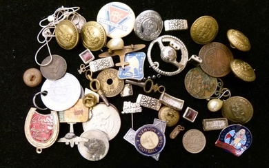 Assorted collectables to include; enamel badges (Butlins, Everton Football...