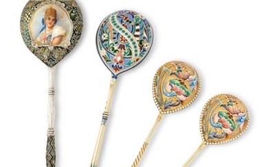 FOUR CHAMPLEVÉ, CLOISONNÉ AND EN PLEIN ENAMEL PARCEL-GILT SILVER SPOONS, VARIOUS MAKERS, MOSCOW, LATE 19TH / EARLY 20TH CENTURY