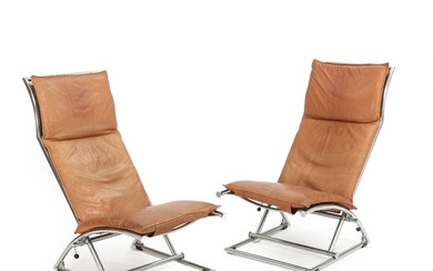 N. Eilersen: A pair of adjustable easy chairs with chromed frame. Upholstered with brown coloured leather. (2)