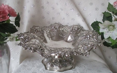 Nicely open worked fruit bowl - Art Nouveau style - Silver plated