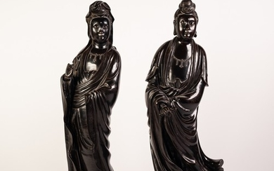 PAIR OF 19th CENTURY CHINESE FINELY CAST HEAVY BRONZE FIGURE...