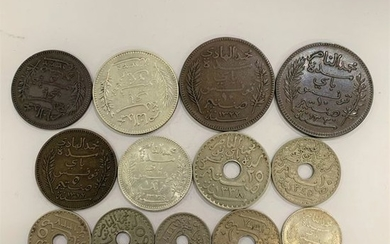13 monnaies Tunisie 10 cts 1904; 5 cts 1904;...