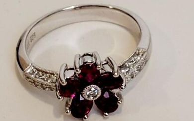 14k White gold Diamond with Red Stone Accents. Weight
