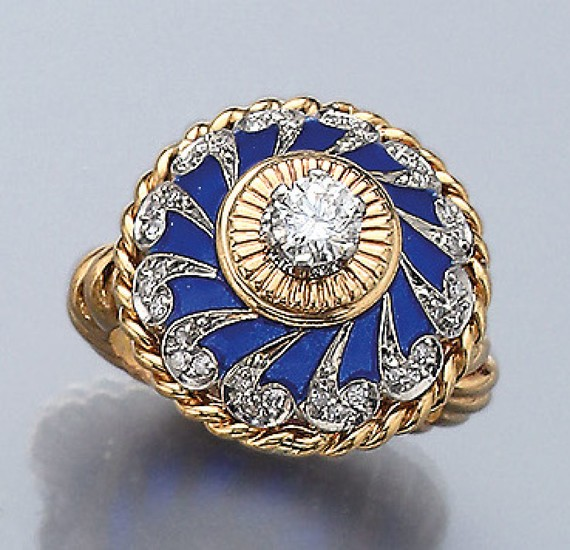 18 kt gold ring with diamonds and...