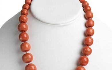 30 Cerasuolo coral (Corallium Elatius) graduated beads necklace, low carat...