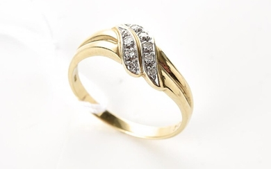 A DIAMOND DRESS RING IN 9CT GOLD, SIZE N, 2.3GMS