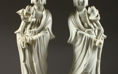 A PAIR OF CHINESE BLANC-DE-CHINE FIGURES OF GUANYIN.