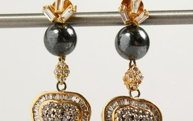 A PAIR OF YELLOW GOLD SOUTH SEA PEARL AND DIAMOND HEART