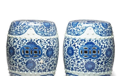A pair of blue and white garden seats, Qing dynasty, 18th Century.
