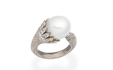 Cultured pearl and diamond dress ring