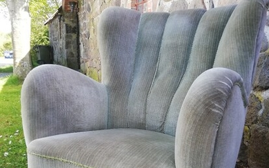 Danish cabinetmaker: Easy chair with wooden legs. Upholstered with velour. H. 90 cm. W. 80 cm. D. 90 cm.