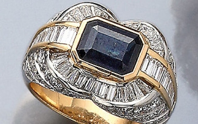 Ring with sapphire and diamonds , YG...