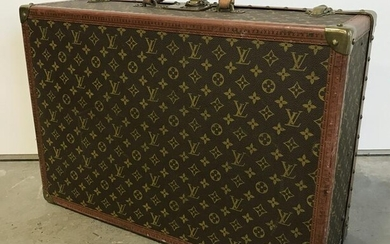 Vintage LOUIS VUITTON Suit Case