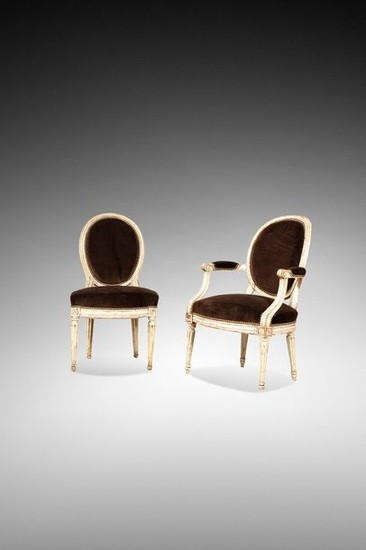 White lacquered wood FALK AND CHAIR on fluted...