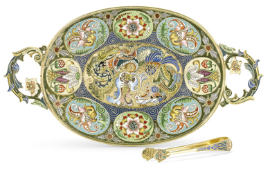 A SILVER-GILT CLOISONNÉ ENAMEL TRAY AND SUGAR TONGS, MARK OF FEODOR RÜCKERT, MOSCOW, 1899-1917