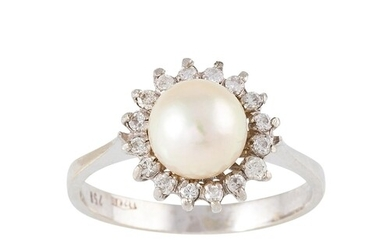 A DIAMOND AND PEARL CLUSTER RING, mounted in 18ct gold. Esti...
