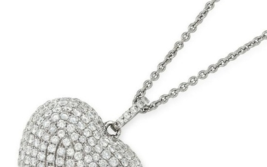 A DIAMOND HEART PENDANT AND CHAIN the pendant set with