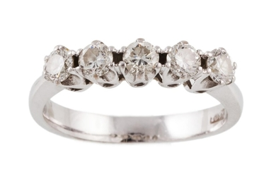A FIVE STONE DIAMOND RING, of approx. 0.75ct in total H/I VS...