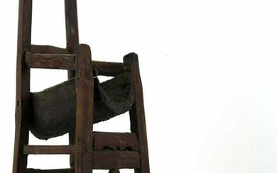 AFRICAN ANTIQUE PETITE CHAIR