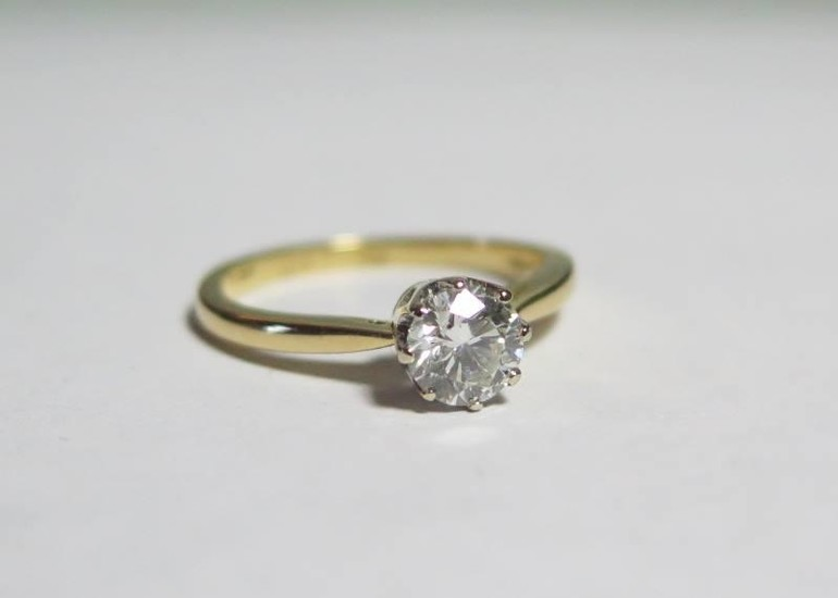 An 18ct Yellow Gold Diamond Solitaire, size M, 3g, (EDW .5ct...