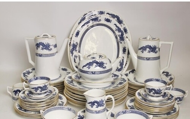 An extensive Hammersley blue and white dragon pattern dinner...