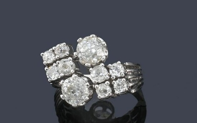 Antique-cut diamond ring approx. 2.37 ct in total, in