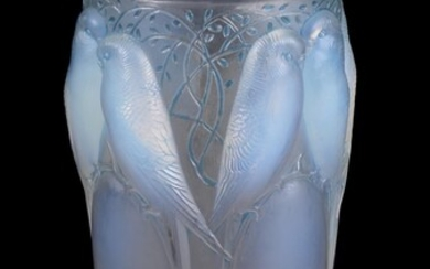 Lalique, René Lalique, Ceylan, an opalescent and blue stained glass vase