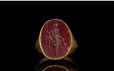 ROMAN GOLD INTAGLIO RING WITH STANDING GODDESS