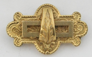Victorian yellow gold brooch pin