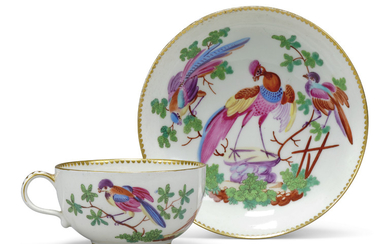 A WORCESTER PORCELAIN TEACUP AND SAUCER, THIRD QUARTER 18TH CENTURY, BLUE CROSSED SWORDS AND 9